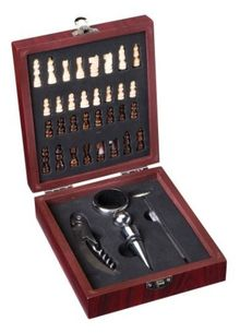 Christmas gift Box CHESS + 5 wine aids