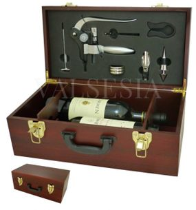 Exclusive gift case for two of wine with a corkscrew Deluxe and accessories