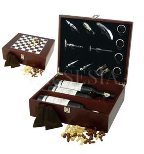 Gift wrap with chess sets of three wines + 12 wine devices