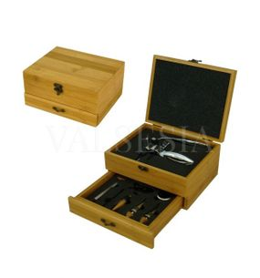 Corkscrew Deluxe accessories in gift box - bamboo